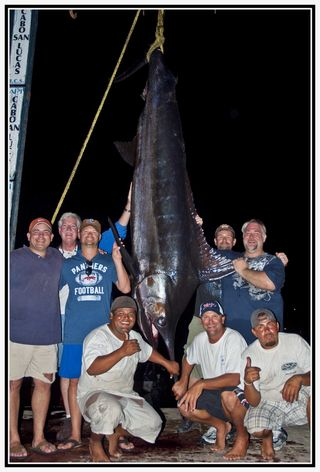 Shambala 788  marlin with crew & anglers