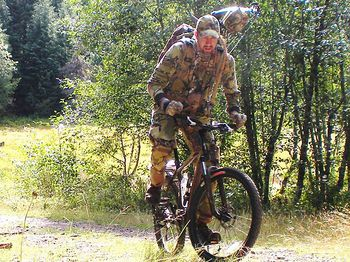 Bicycle-hunter_bowhunting-net1