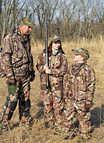 Grandfather-with-kids-hunting_nssf